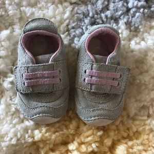 Stride rite size 3.5 silver sparkle girls shoes